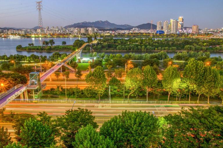 Read more about the article 서울시, 국립 4.19 민주묘지·이순신 동상·선유도공원 `4월의 미래유산`
